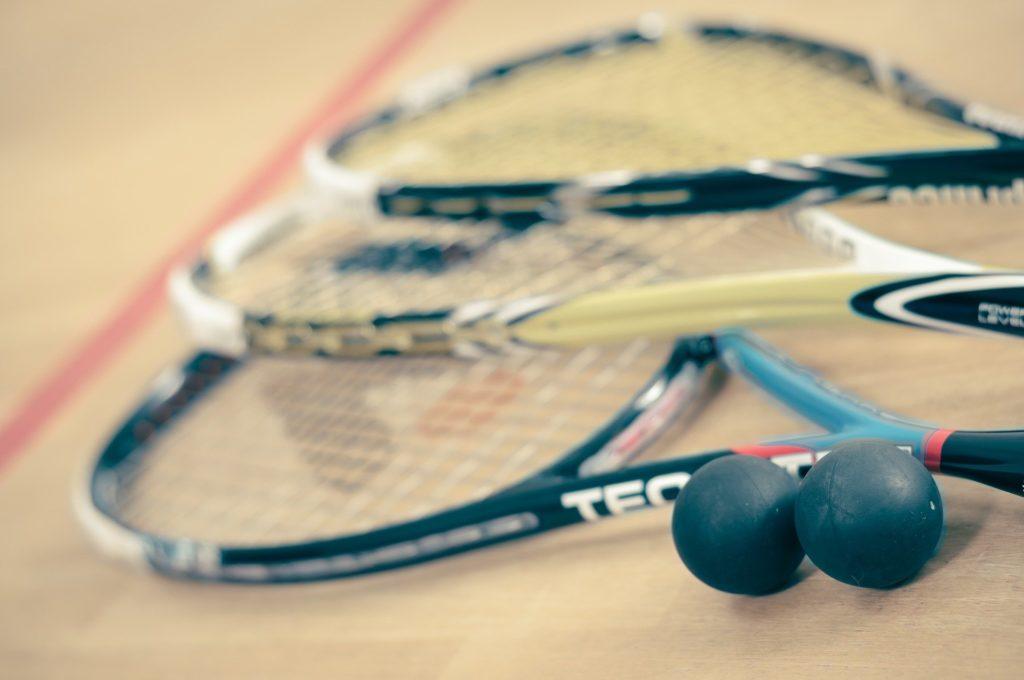 raquettes de squash et balles